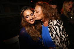 Jessica Alba in Diane von Furstenberg with the designer