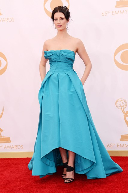 Jessica Pare chose a gown and heels from the Oscar de la Renta spring:summer 2014 collection.