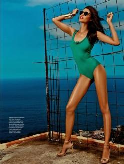 Daniela Braga for Elle Brazil October 2013-Ladeira Acima