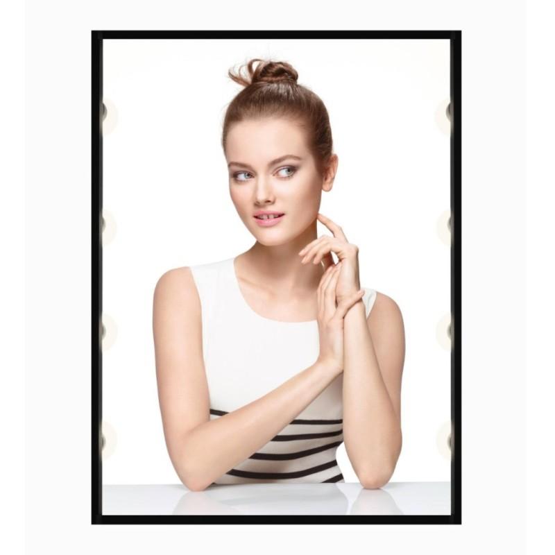 Monika Jagaciak for Chanel Vitalumière Compact Douceur
