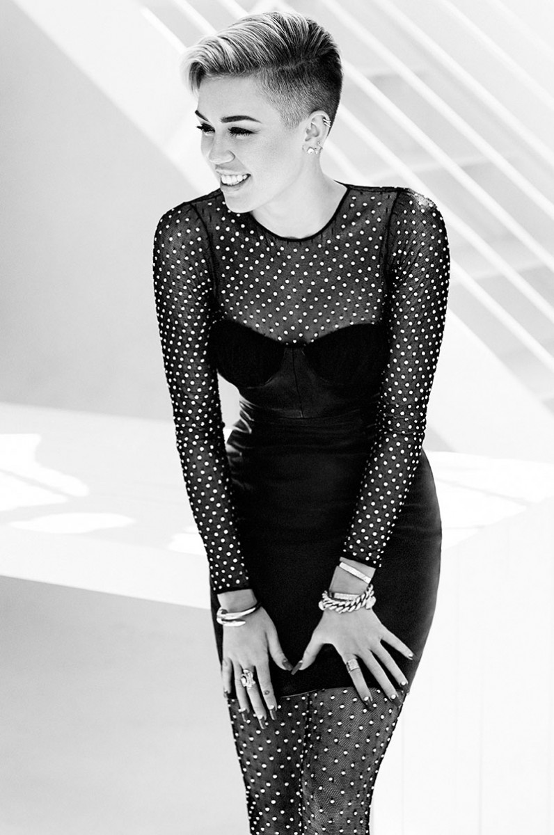 Miley Cyrus For Canada S Fashion Magazine November 2013 A Stairway To Fashion