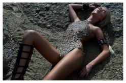 Natalia Heinzen for Harper's Bazaar Brazil October 2013-Praia Selvagem