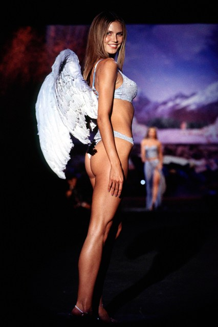 Heidi Klum on the catwalk at the fifth annual show in 1999.