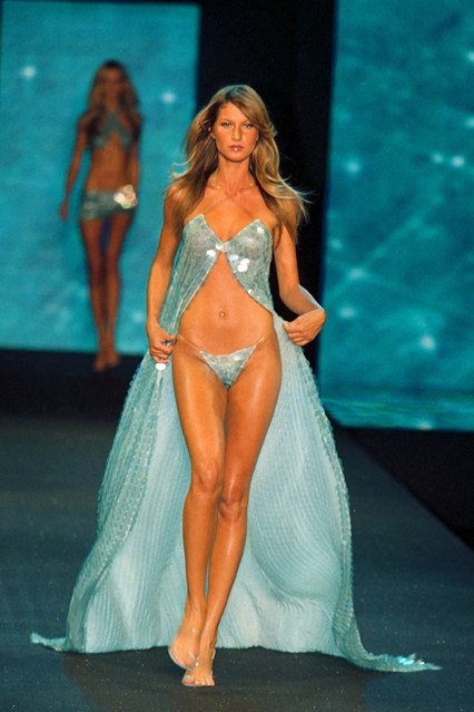 Gisele Bundchen wearing pale blue sequins for the 2000 show.
