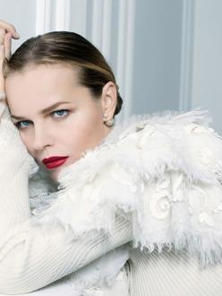 Eva Herzigova by Toni Thorimbert for IO Donna
