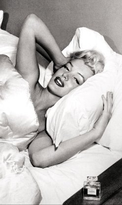 Marilyn Monroe for Chanel N°5