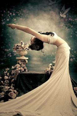 Fabulous Dresses of Hian Tjen by Luki Featuring Milena Stepien