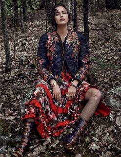 Irina Shayk for Vogue Spain December 2013-Pura Raza
