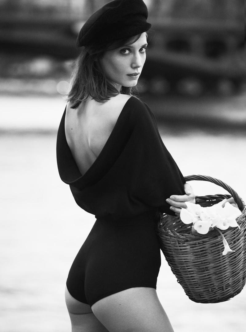 Olivia Burnette Nude Photos 46