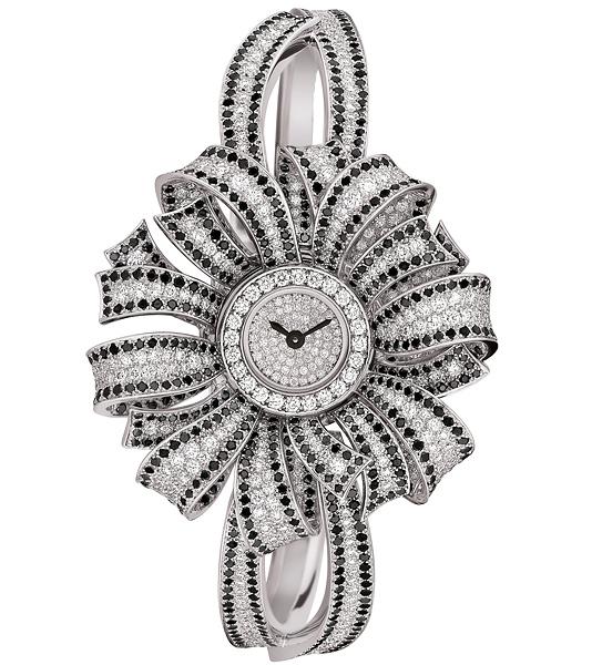 Chanel Watch in diamonds
