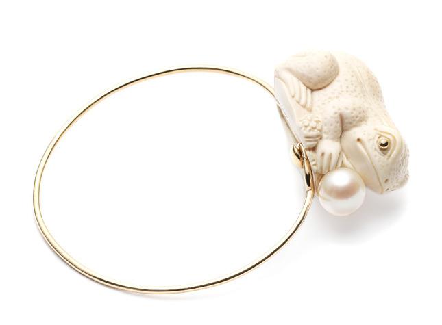 Mammoth Frog bangle € 3.335,00