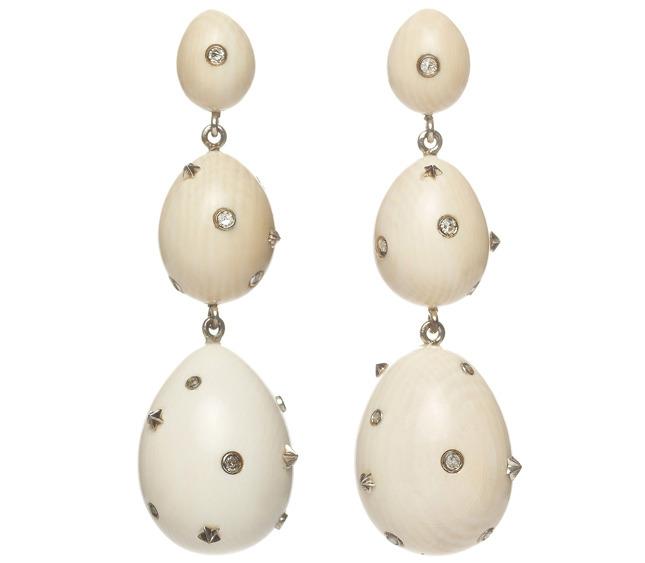Mammoth Egg earrings € 1.475,00