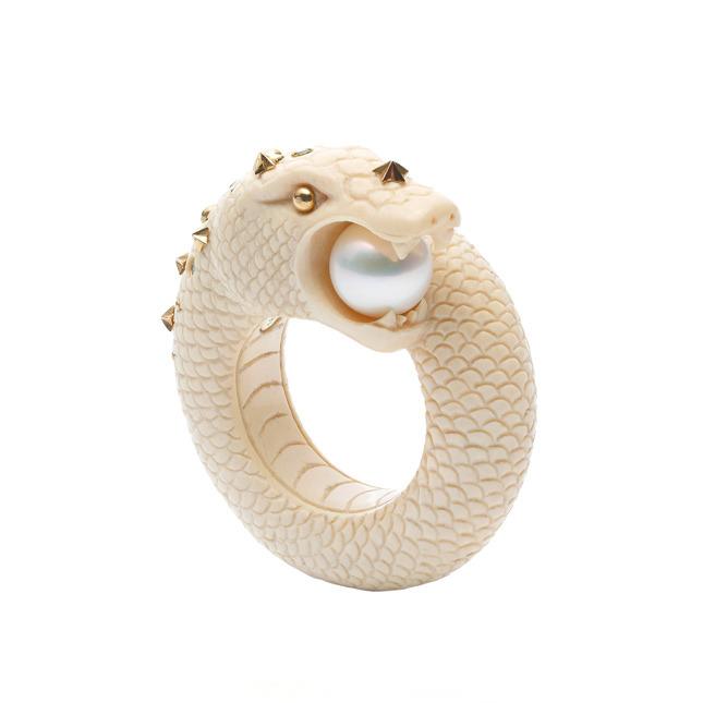 Sea Snake Mammoth ring € 2.605,00